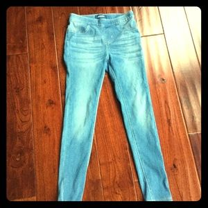 New without tag blue skinny jegging jeans